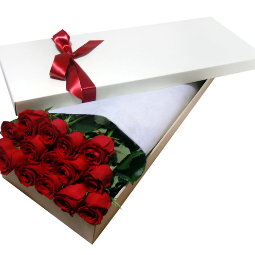 Roses in a white hat box: flowers to order Flowwow
