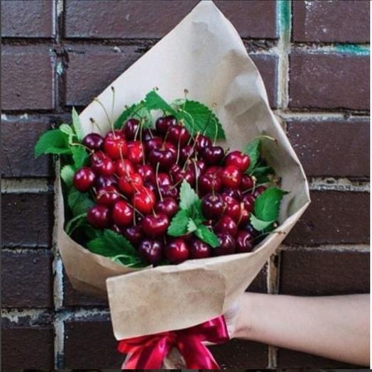 Букет из черешни: букеты цветов на заказ Flowwow
