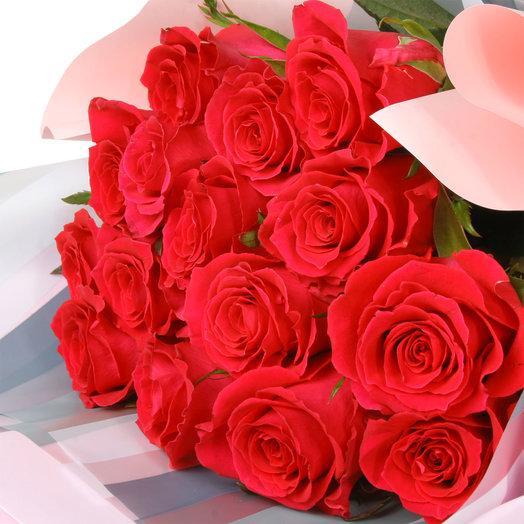 Букет из 15 розовых эквадорских роз