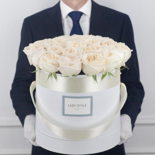 Ароматные эквадорские розы White O Hara в шляпной коробке XL: букеты цветов на заказ Flowwow