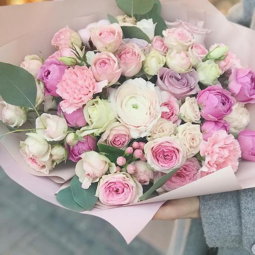 Нежность кустовых роз: букеты цветов на заказ Flowwow