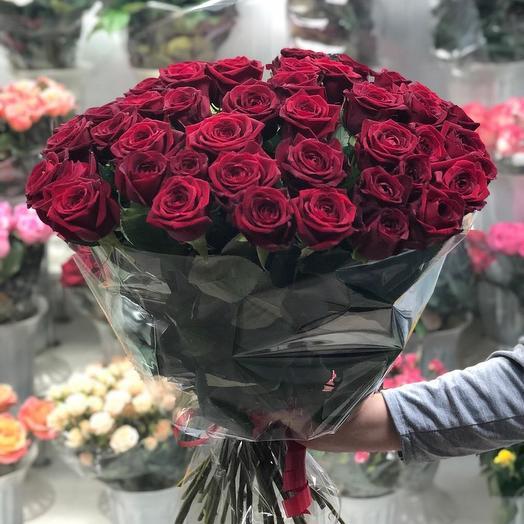 45 красных роз: букеты цветов на заказ Flowwow