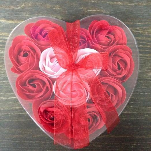 Сердце из мыльных роз