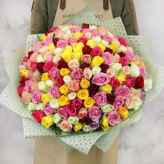 Букет из 151 разноцветных кенийских роз