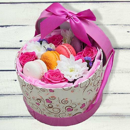 Шляпная, яркая коробка: букеты цветов на заказ Flowwow