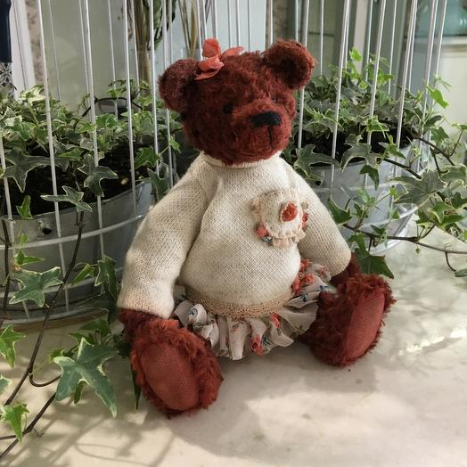 Медвежонок в платье: букеты цветов на заказ Flowwow