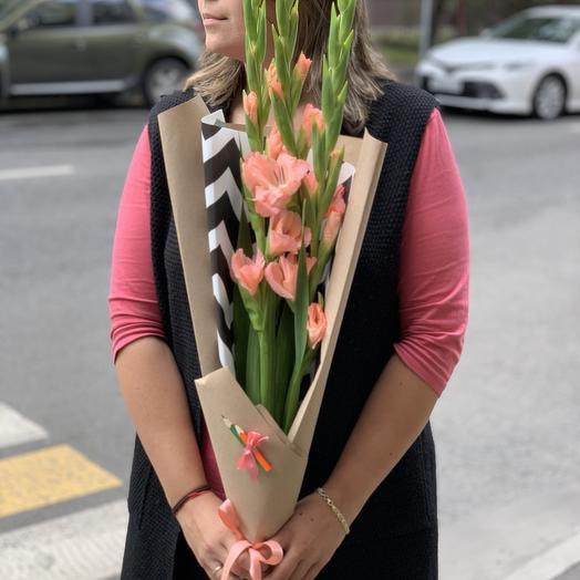 Гладиолус на 1 сентября: букеты цветов на заказ Flowwow