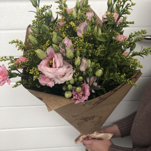 Яркость момента: букеты цветов на заказ Flowwow