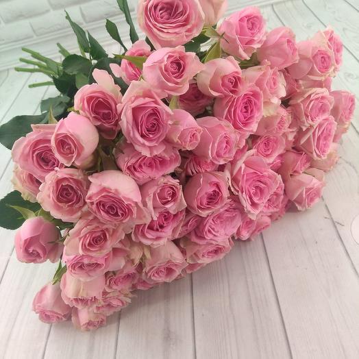 Букет из 19 веточек кустовой розы: букеты цветов на заказ Flowwow
