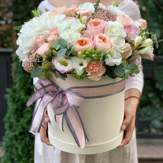 """Цветы в коробке """"Cчастье есть"""""""