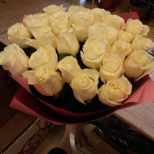 Голландские розы в дизайнерской упаковке 29 шт: букеты цветов на заказ Flowwow