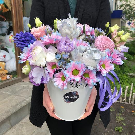 Изящное ведерко цветов: букеты цветов на заказ Flowwow