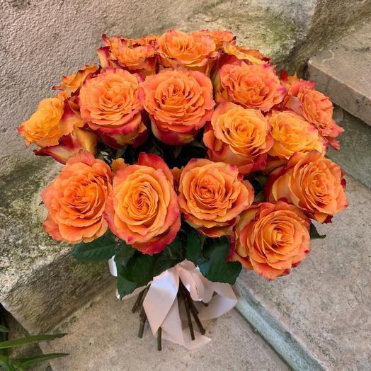19 Orange roses