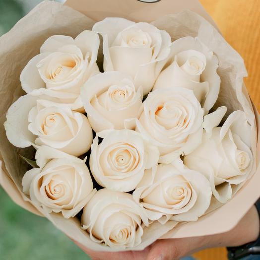 Букет из 11 белых роз (Эквадор) 60 см Vendela