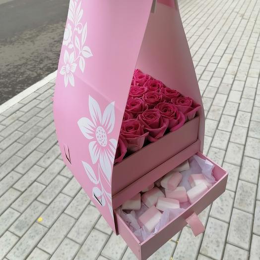 Flowers and dessert
