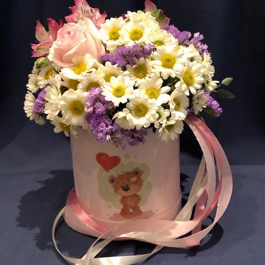 Цветы в коробке из ромашек «летняя соната»