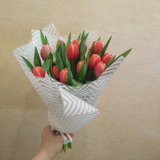 Букет 15шт тюльпаны