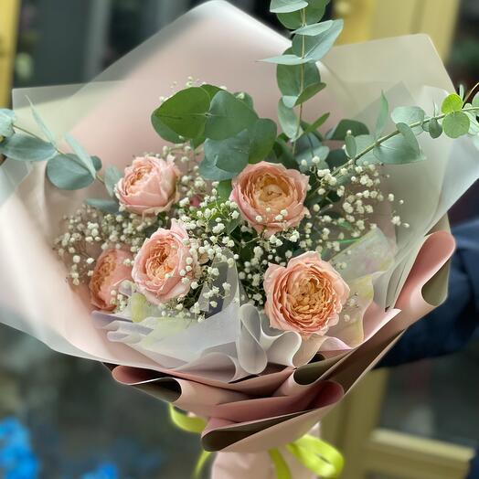 Ароматная пионовидная роза Джульетта