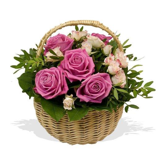 Корзинка роз Magic roses: букеты цветов на заказ Flowwow