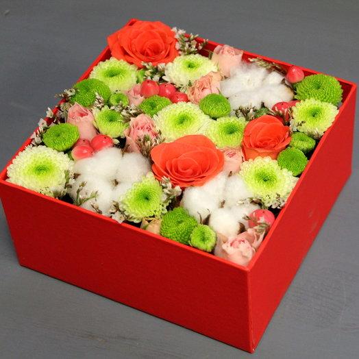 Коробочка с цветами Нежность: букеты цветов на заказ Flowwow