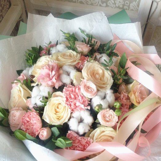 Нежный букет с хлопком: букеты цветов на заказ Flowwow