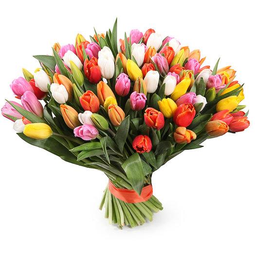 101 разноцветный тюльпан: букеты цветов на заказ Flowwow