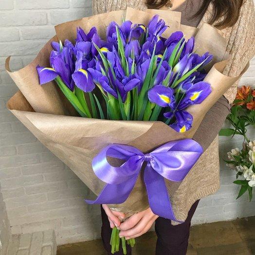 Букет с волшебными ирисами: букеты цветов на заказ Flowwow