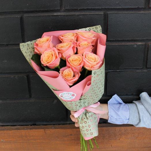 Кулек из роз: букеты цветов на заказ Flowwow