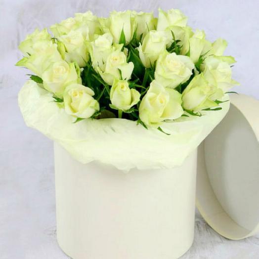 Роза Кения 21 шт в шляпной коробке: букеты цветов на заказ Flowwow