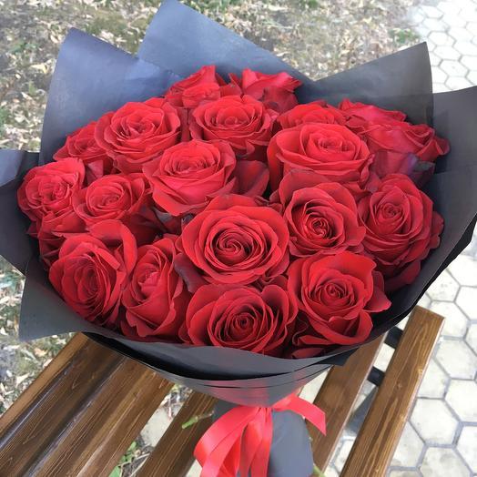 21 Пышная Красная Роза