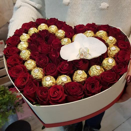 Сладкое сердце в розах: букеты цветов на заказ Flowwow