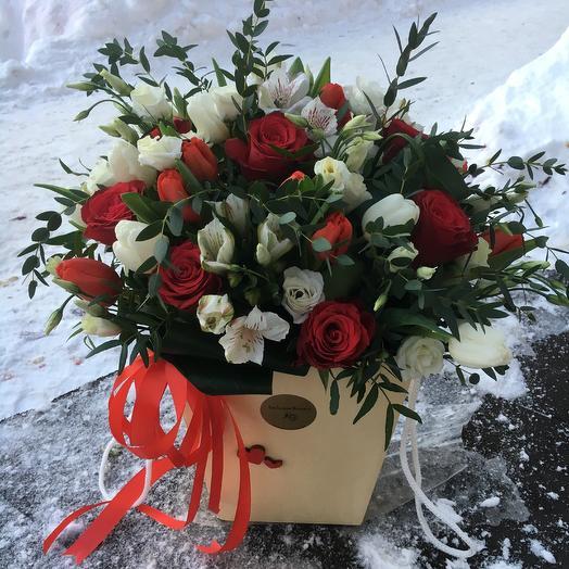 Коробка с цветами 8: букеты цветов на заказ Flowwow