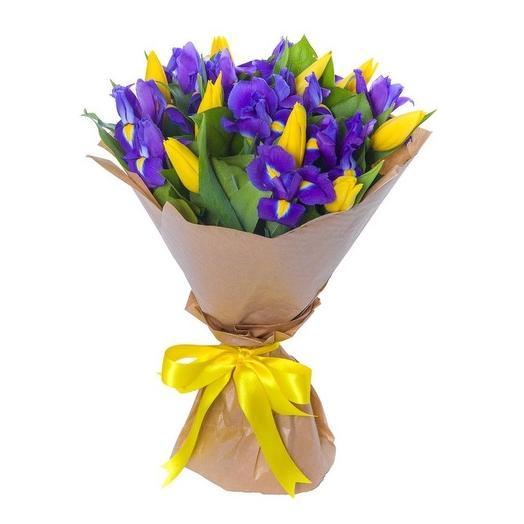 Ирисы+тюльпаны: букеты цветов на заказ Flowwow