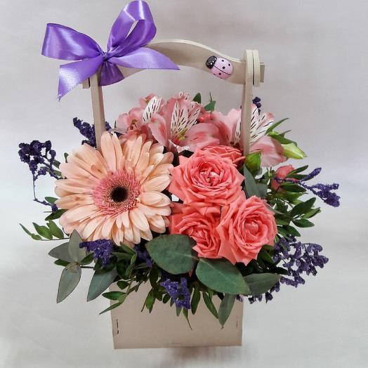 Доставка цветов по тамани, сердечками москва букет