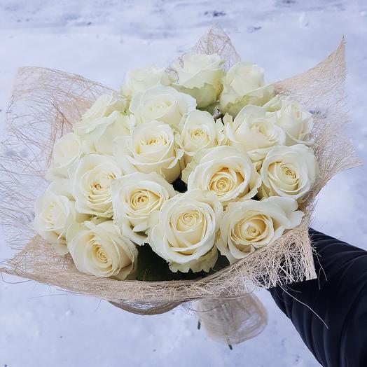 Букет из 19 белых роз: букеты цветов на заказ Flowwow