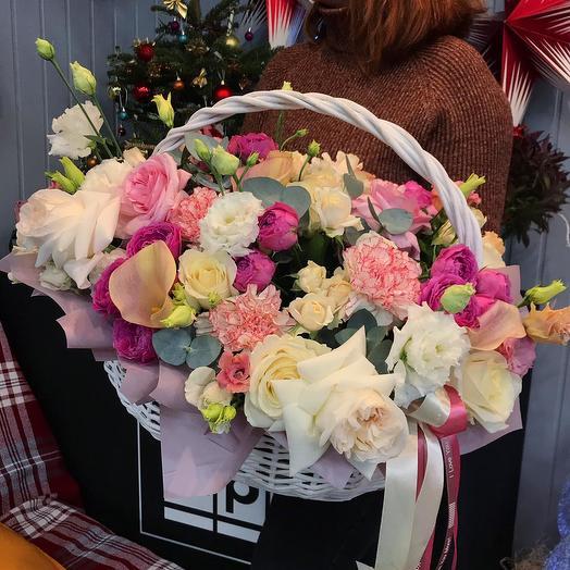 """Цветы в корзине """"Малиновый чизкейк"""""""