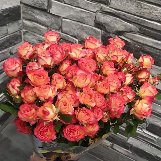Свежий букет кустовых розочек: букеты цветов на заказ Flowwow