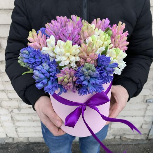 Коробочка с гиацинтами: букеты цветов на заказ Flowwow