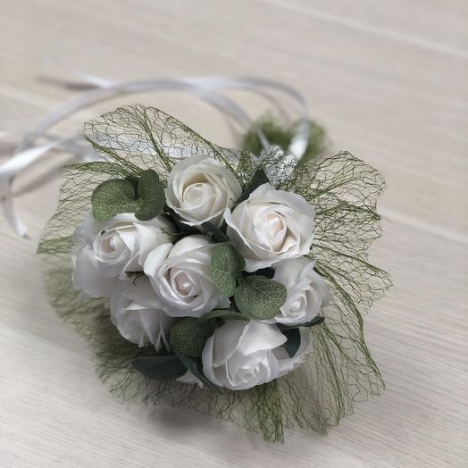 Свадебный букет из белых мыльных роз