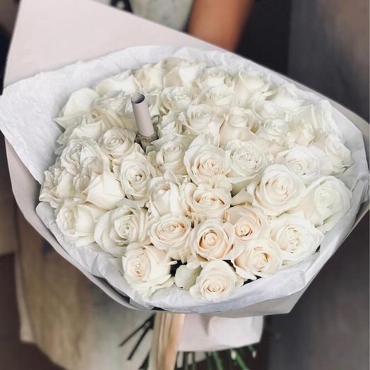 Букет из 50 белых роз