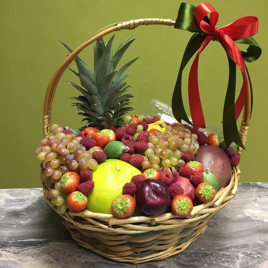 Большая корзина фруктов «Витамины»