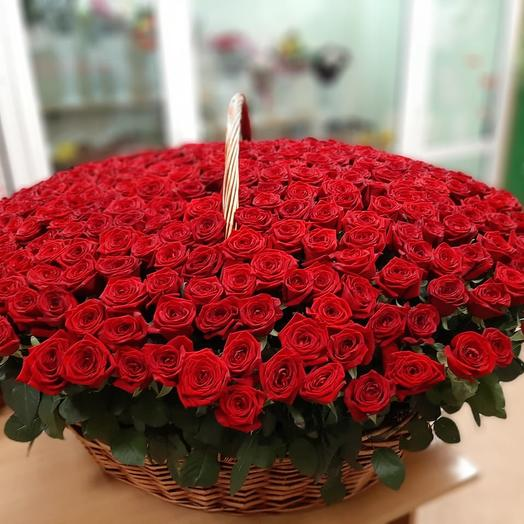 Корзина 301 роза
