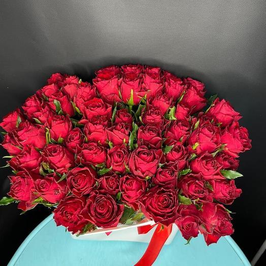 55 роз в сумке вазе