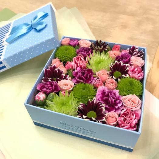 Цветы в коробке Яркий комплимент