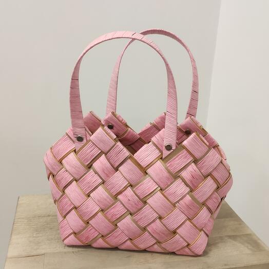 Корзина плетёная розовая