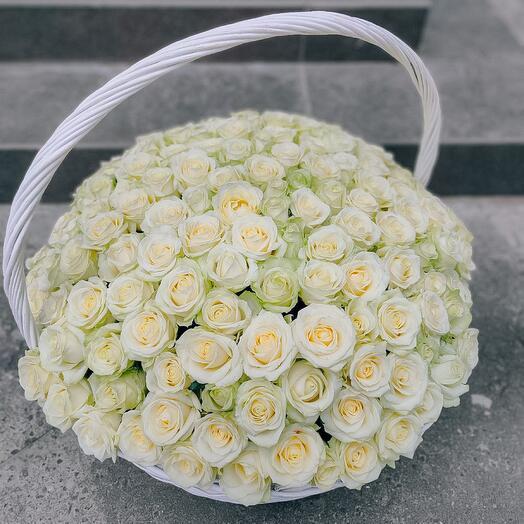 Роскошная Корзина роз
