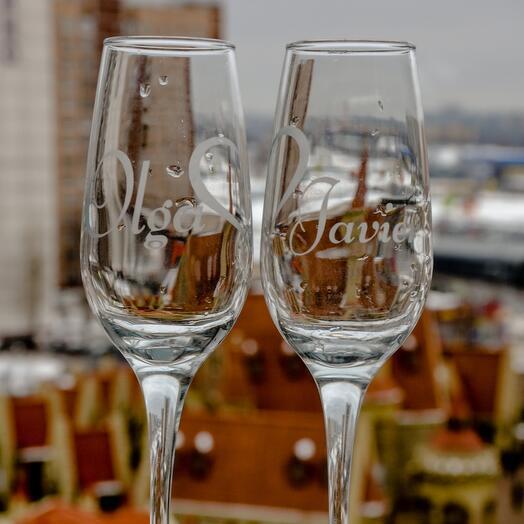Парные бокалы под шампанское с индивидуальной надписью