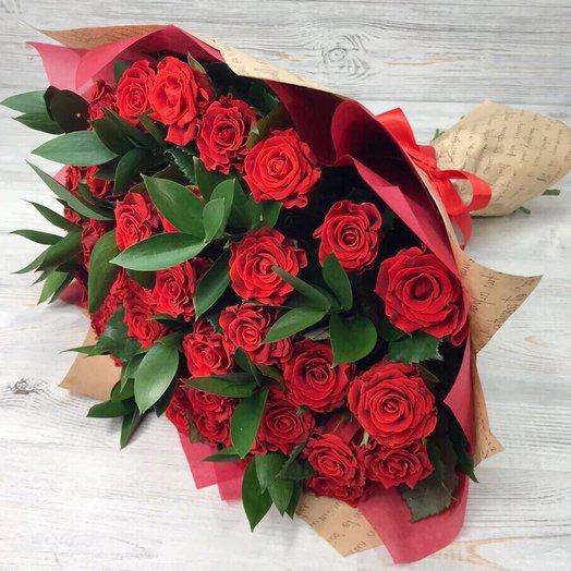 Розы. Букет из 29 красных роз. N13: букеты цветов на заказ Flowwow