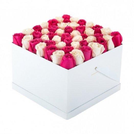 49 роз в коробе квадрат: букеты цветов на заказ Flowwow