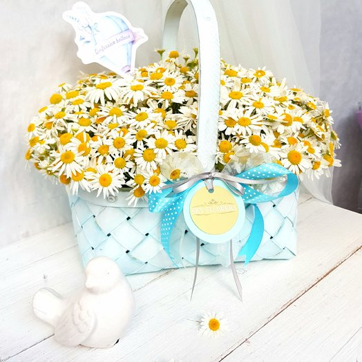 Корзина с ромашками.: букеты цветов на заказ Flowwow